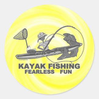 Kajak que pesca banal negro y blanco pegatina redonda