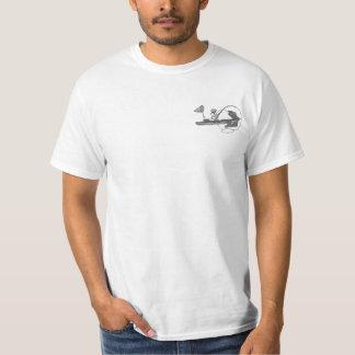 Kajak que pesca banal negro y blanco playera