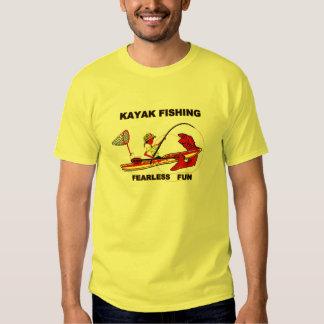 Kajak que pesca la diversión audaz poleras