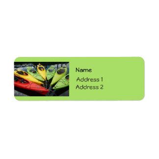 Kajaks coloridos etiquetas de remite