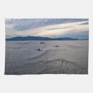 Kajaks en la bahía de Bellingham Toalla De Mano