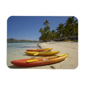Kajaks en la playa, centro turístico isleño de la  imán rectangular
