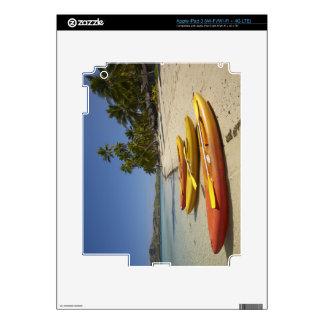 Kajaks en la playa, centro turístico isleño de la  pegatina skin para iPad 3