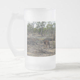 Kangaroo_In_Outback_Australia_Big_Frosted_Beer_Mug Taza De Cristal