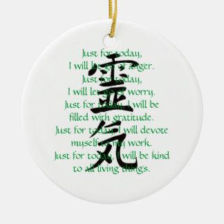 Kanji y preceptos de Reiki con Usui Adorno Navideño Redondo De Cerámica