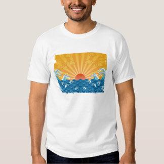 Kanjiz Illustration : the rising run and rough sea Tees