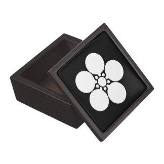 Kanke umebachi jewelry box