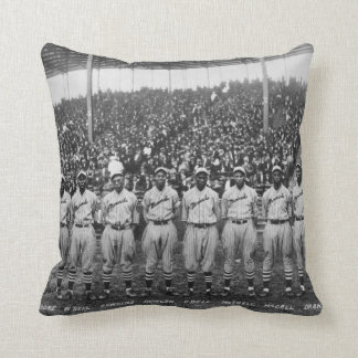 Kansas City Monarchs baseball team, 1924 Throw Pillow