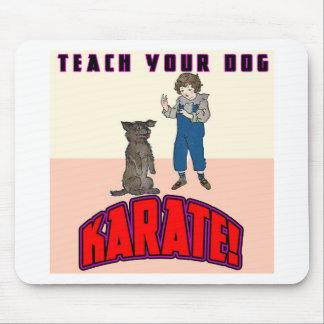 Karate 3 del perro alfombrilla de ratón