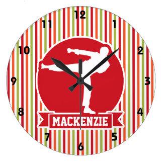 Karate, artes marciales; Rayas rojas, verdes, Reloj