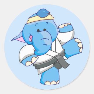 Karate azul del elefante de Lil Pegatinas Redondas