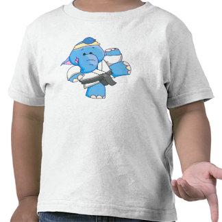 Karate azul del elefante de Lil Camisetas