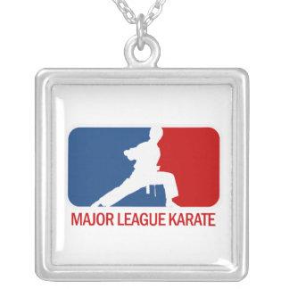 Karate Colgante Cuadrado