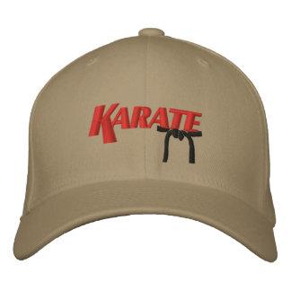 karate con la correa negra gorra de beisbol