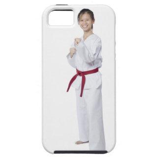 Karate practicante y sonrisa de la mujer joven iPhone 5 Case-Mate carcasa