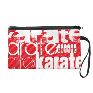 Karate; Rayas del rojo del escarlata