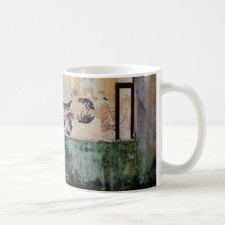 Katze im Fenster Coffee Mugs