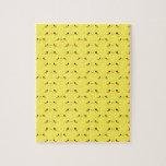 Kawaii lindo estupendo hace frente en amarillo puzzle con fotos