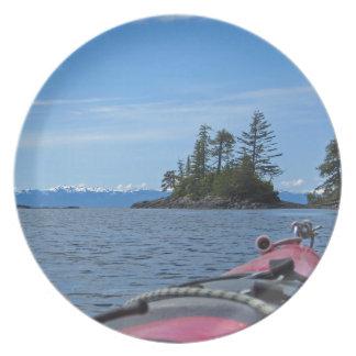 Kayak facing the Alaskan Mountain Range Dinner Plate