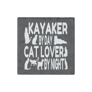 Kayaker del amante del gato imán de piedra