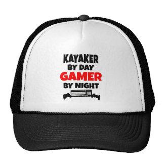 Kayaker del videojugador gorro de camionero