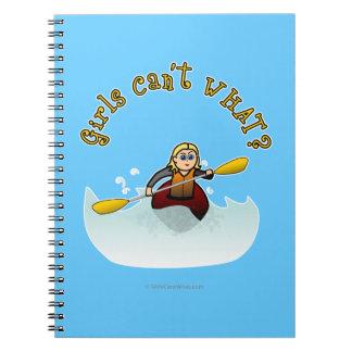 Kayaker femenino rubio notebook