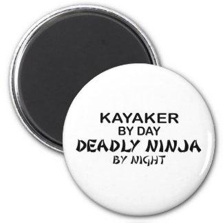 Kayaker Ninja mortal por noche Imán Redondo 5 Cm