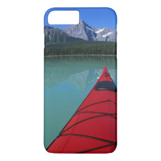 Kayaking on Waterfowl Lake below Howse Peak iPhone 8 Plus/7 Plus Case