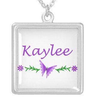 Kaylee (mariposa púrpura) colgante cuadrado