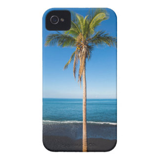 Keawaiki black sand beach 2 iPhone 4 case