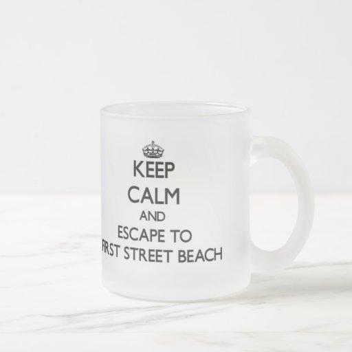 Keep calm and escape to First Street Beach Michiga Mugs