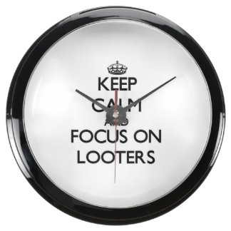 Keep Calm and focus on Looters Fish Tank Clocks