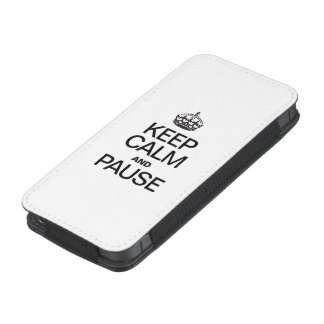 KEEP CALM AND PAUSE iPhone 5 POUCH
