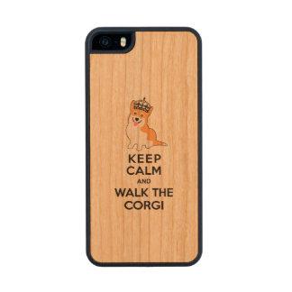 Keep Calm and Walk the Corgi Cute Dog Wood iPhone SE/5/5s Case