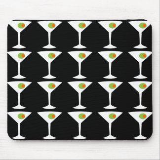 Keep 'Em Coming Martini Mousepad (black)