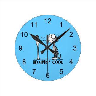 Keepin' Cool Monkey Round Clock