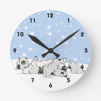 Keesie Snow Dogs - Happy Keeshond with Puppies Round Wall Clock