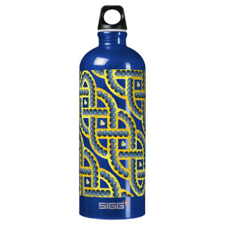 Keltic Knot With Blueberries Water Bottle