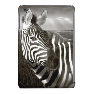 Kenia. Negro y blanco de la cebra y del llano Fundas De iPad Mini Retina
