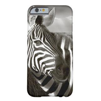 Kenia. Negro y blanco de la cebra y del llano Funda De iPhone 6 Barely There
