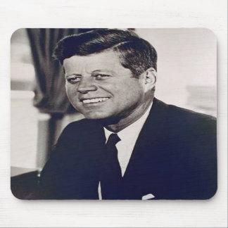 Kennedy feliz tapete de ratón