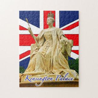 Kensington Palace's Queen Victoria Statue Puzzle