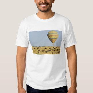 Kenya, Masai Mara. Tourists ride hot air balloon T-shirt