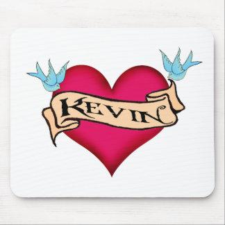 Kevin - camisetas y regalos de encargo del tatuaje tapetes de ratón