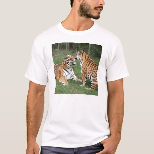 khan-n-china007 T-Shirt