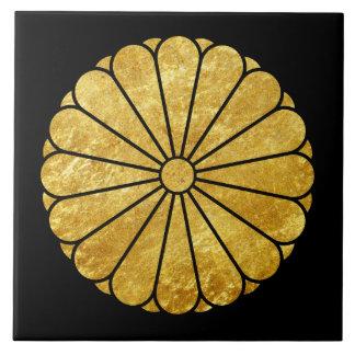 Kiku Chrysanthemum Mon gold on black Tile