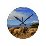 Kilimanjaro y elefantes reloj de pared