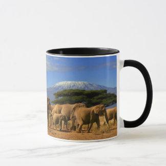 Kilimanjaro y elefantes taza