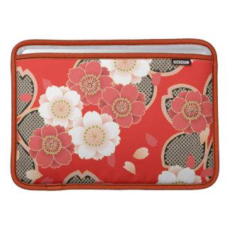 Kimono rojo y blanco del japonés de Sakura Fundas Para Macbook Air