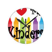 kinder teacher round clock